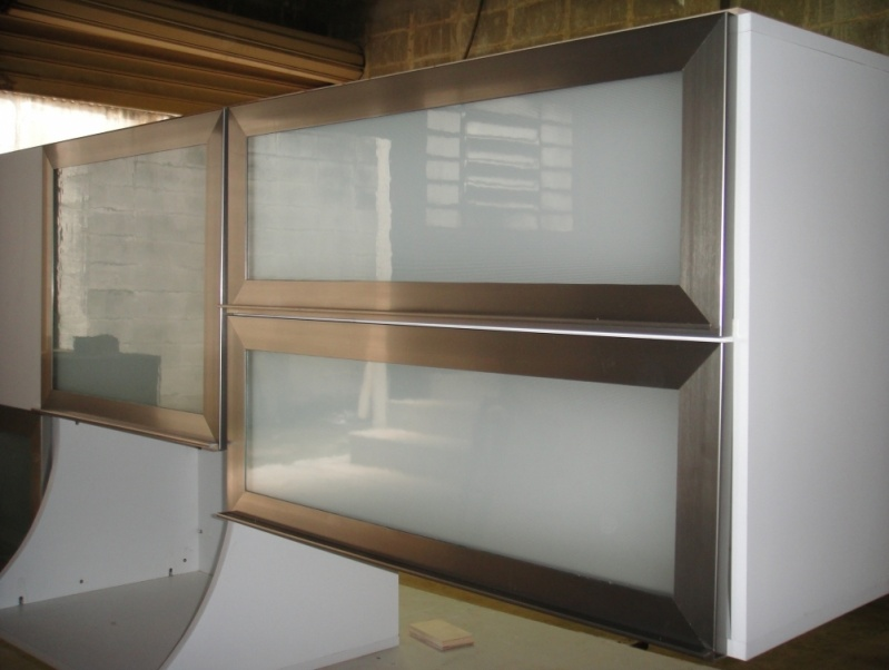 Fábrica de Portas de Alumínio para Móveis em Sp Rio Grande da Serra - Portas em Alumínio com Vidro para Móveis