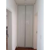 porta em perfil de alumínio branco Santa Isabel