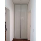 porta em perfil de alumínio branco